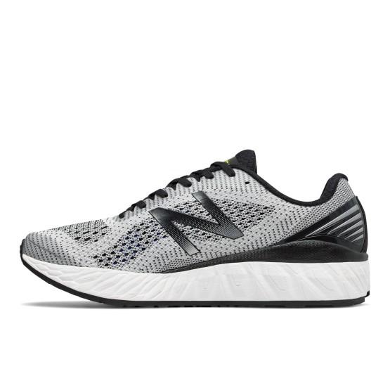 נעליים ניו באלאנס לגברים New Balance Fresh Foam Vongo V2 - אפור