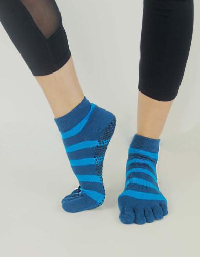 אביזרי ביגוד My-O-My לנשים My-O-My anti slip yoga socks - תכלת/כחול
