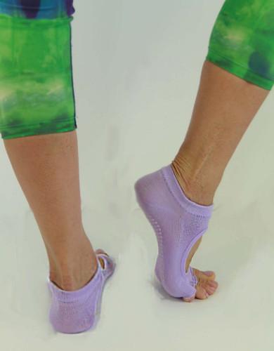 אביזרי ביגוד My-O-My לנשים My-O-My anti slip yoga socks - סגול בהיר