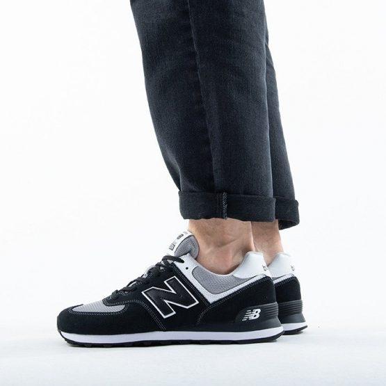 נעלי סניקרס ניו באלאנס לגברים New Balance ML574 - לבן/שחור