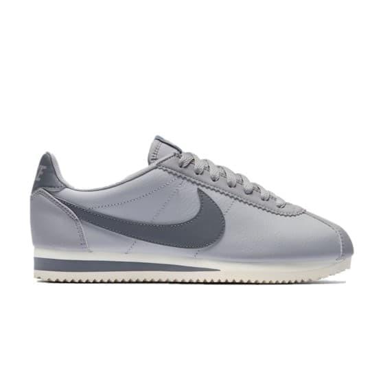 נעליים נייק לנשים Nike CLASSIC CORTEZ LEATHER - לבן/אפור