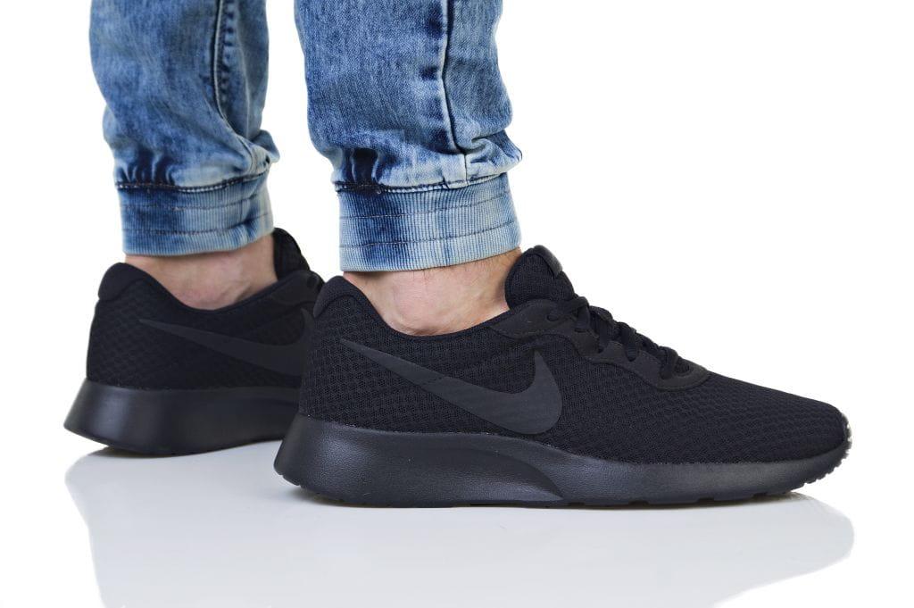 נעליים נייק לגברים Nike TANJUN - שחור מלא