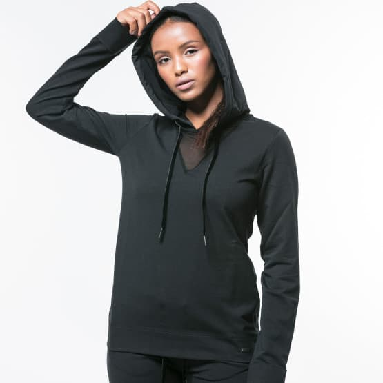 black-sweatshirt-front