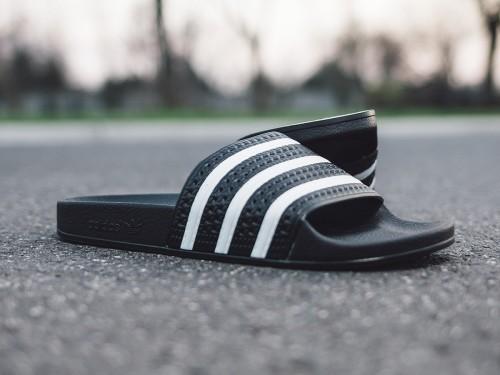 כפכפים Adidas Originals לנשים Adidas Originals Adilette  - שחור