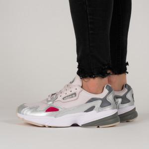 נעליים Adidas Originals לנשים Adidas Originals Falcon - אפור בהיר