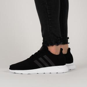 נעליים Adidas Originals לנשים Adidas Originals Swift Run - שחור/לבן