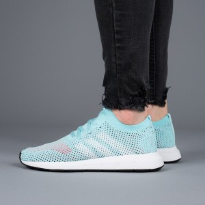 נעליים Adidas Originals לנשים Adidas Originals Swift Run - תכלת