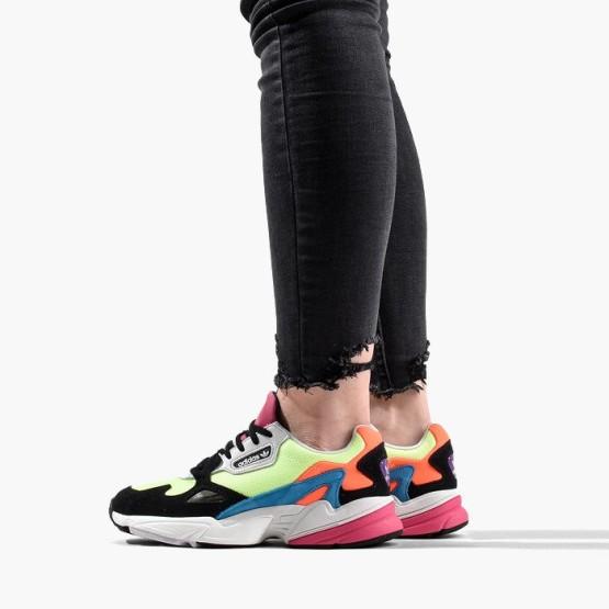 נעליים Adidas Originals לנשים Adidas Originals Falcon - צבעוני/שחור