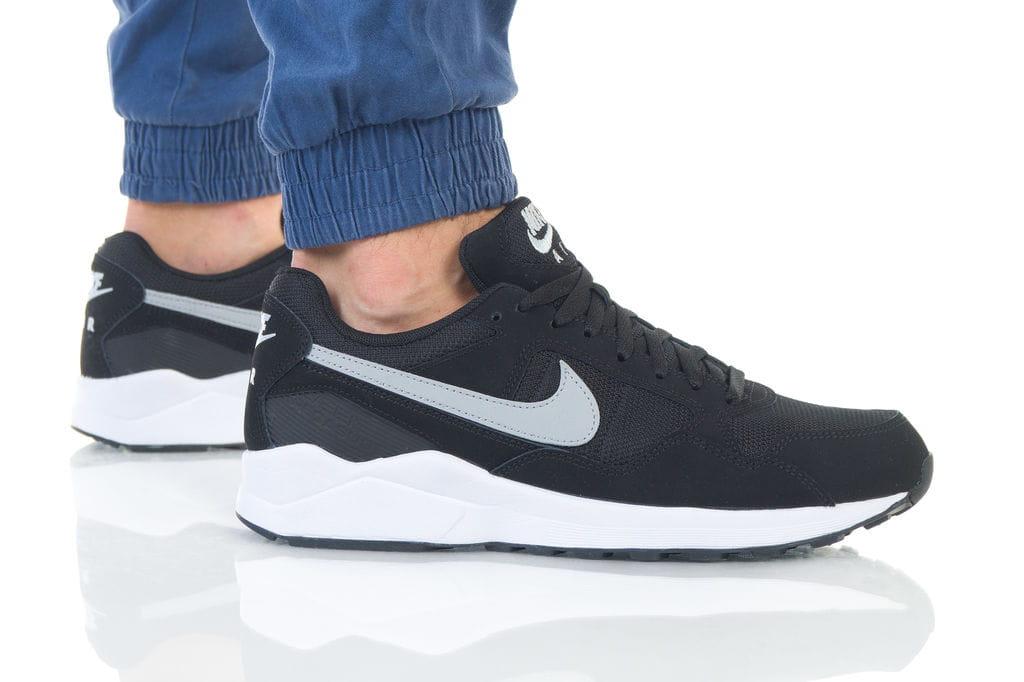 נעליים נייק לגברים Nike AIR PEGASUS 92 - שחור/לבן