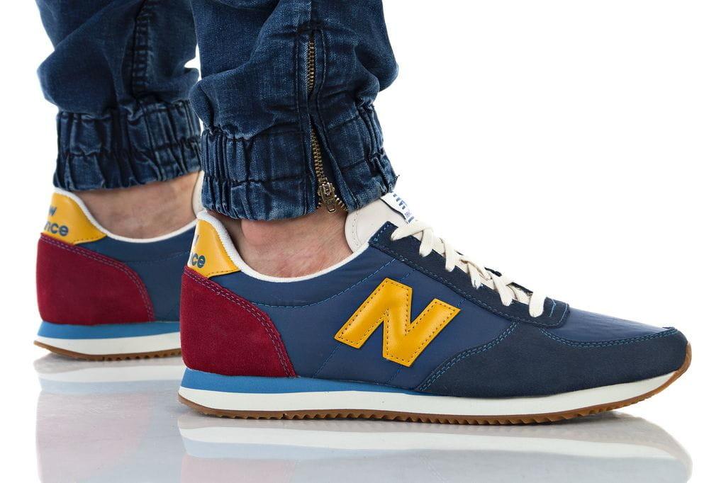 נעליים ניו באלאנס לגברים New Balance 220 - צבעוני