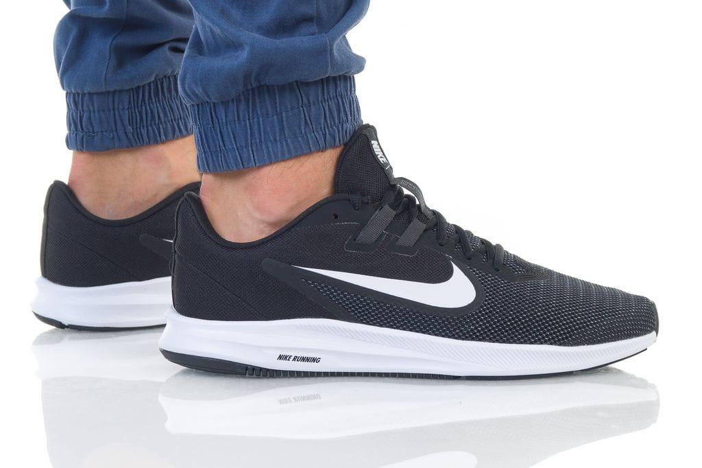נעליים נייק לגברים Nike DOWNSHIFTER 9 - שחור/לבן