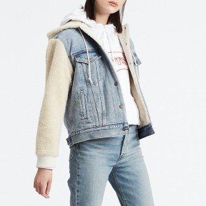 בגדי חורף ליוויס לנשים Levi's Ex-Boyfriend Sherpa Sleeve Trucker - ג'ינס בהיר