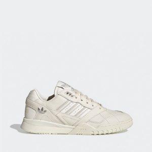 נעליים Adidas Originals לנשים Adidas Originals  A.R. Trainer  - לבן