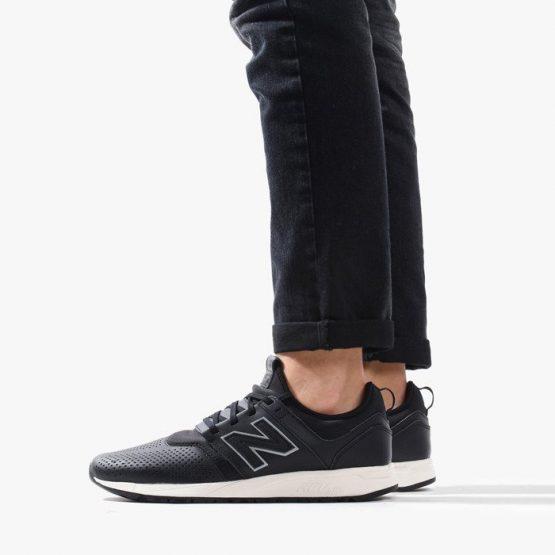 נעלי סניקרס ניו באלאנס לגברים New Balance MRL247 - שחור/לבן