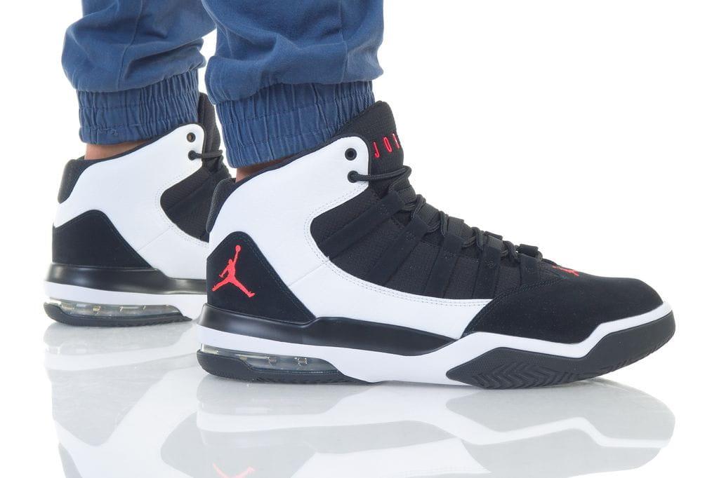 נעליים נייק לגברים Nike JORDAN MAX AURA - שחור/לבן
