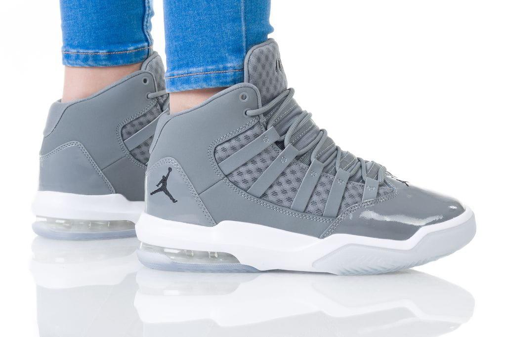 נעליים נייק לנשים Nike JORDAN MAX AURA - אפור