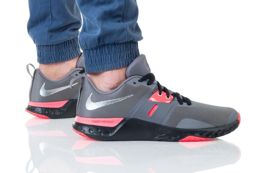 נעליים נייק לגברים Nike RENEW RETALIATION TR - אפור/ורוד