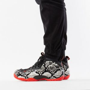 נעליים נייק לגברים Nike Air Foamposite One - שחור/לבן