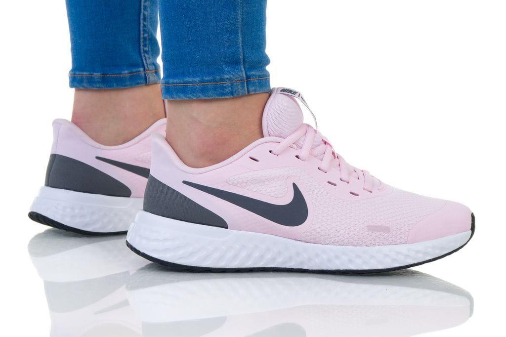 נעליים נייק לנשים Nike REVOLUTION 5 - ורוד בהיר