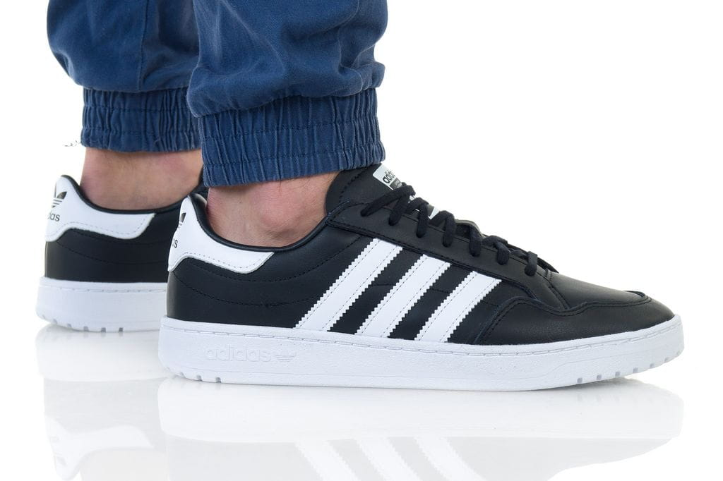 נעליים אדידס לגברים Adidas TEAM COURT - שחור/לבן