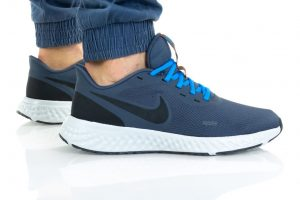 נעלי ריצה נייק לגברים Nike REVOLUTION 5 - כחול/תכלת