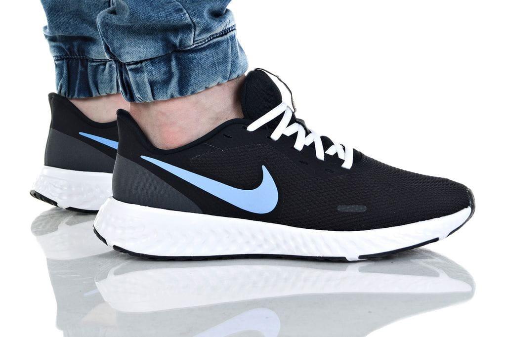 נעליים נייק לגברים Nike REVOLUTION 5 - שחור/כחול