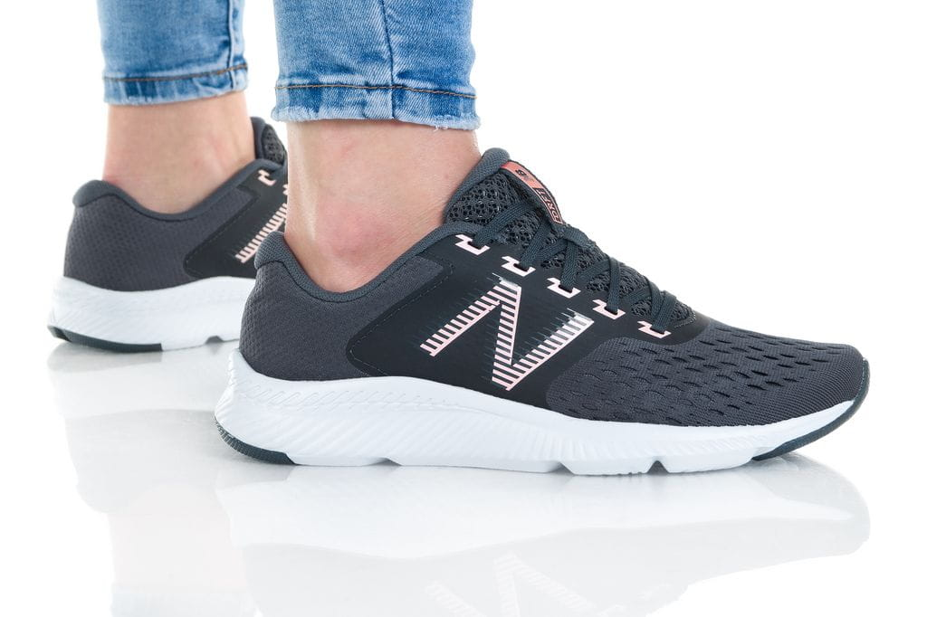 נעלי סניקרס ניו באלאנס לנשים New Balance WDRFTL - שחור/לבן