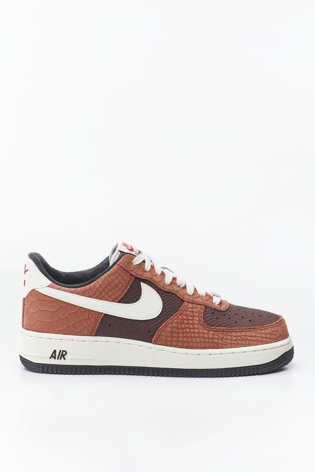 נעליים נייק לגברים Nike AIR FORCE 1 PRM - צבעוני כהה