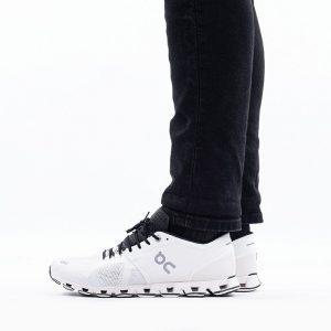 נעליים און לגברים On Running Cloud X - לבן