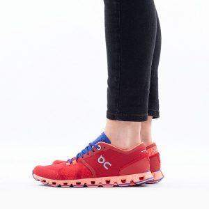נעלי ריצה און לנשים On Running Cloud X - אדום