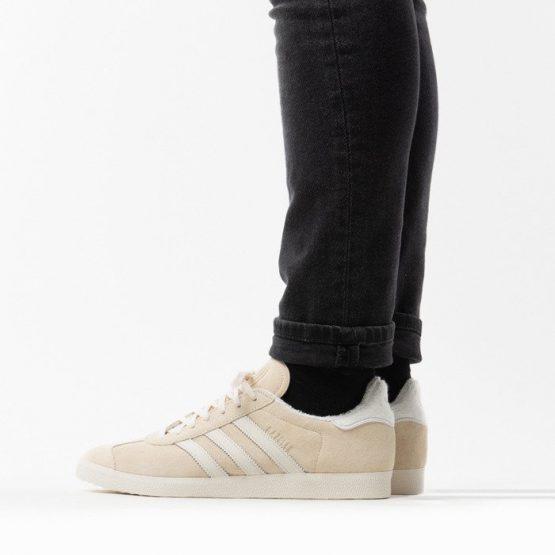 נעלי סניקרס אדידס לגברים Adidas Originals Gazelle - בז'