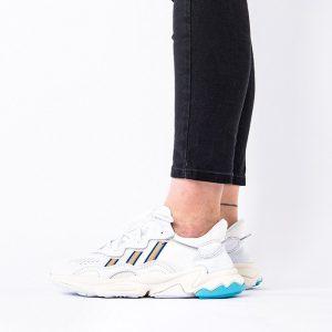 נעלי סניקרס אדידס לנשים Adidas Originals Ozweego - צבעוני/לבן