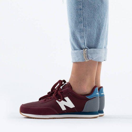 נעלי סניקרס ניו באלאנס לנשים New Balance YC720 - בורדו