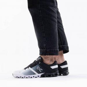 נעליים און לגברים On Running Cloudflow - שחור/לבן