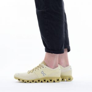 נעלי ריצה און לנשים On Cloud X - ירוק
