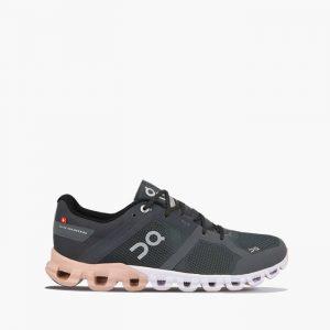 נעלי ריצה און לנשים On Cloudflow - שחור/לבן