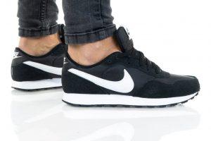 נעלי סניקרס נייק לנשים Nike MD VALIANT - שחור/לבן