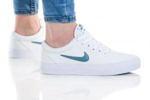 נעלי סניקרס נייק לנשים Nike SB CHARGE - לבן