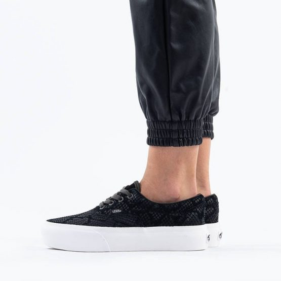 נעלי סניקרס ואנס לנשים Vans Era Platform - שחור/לבן