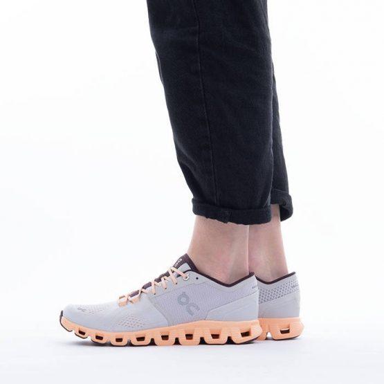 נעלי ריצה און לנשים On Cloud X - אפור