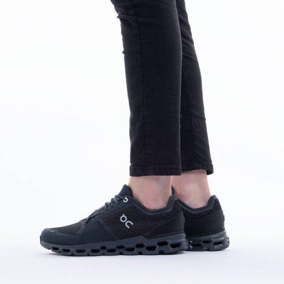נעלי ריצה און לנשים On Running Cloudstratus - שחור