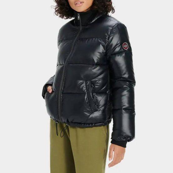 ג'קט ומעיל האג לנשים UGG Izzie Puffer - שחור