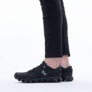 נעלי ריצה און לנשים On Running Cloud X - שחור