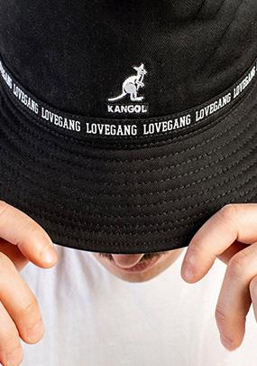כובעים לגברים במבצע