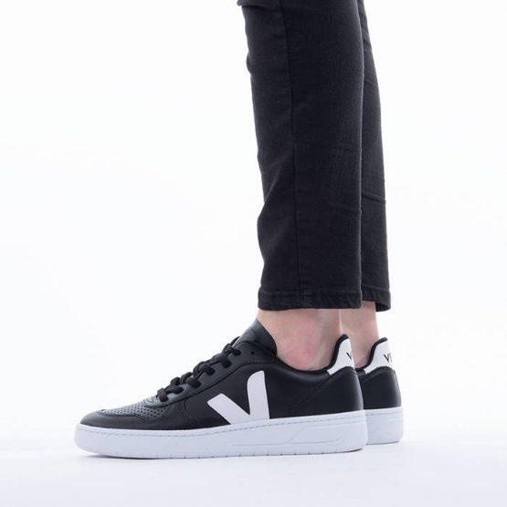 נעלי סניקרס ווג'ה לנשים Veja V-10 Leather A - שחור