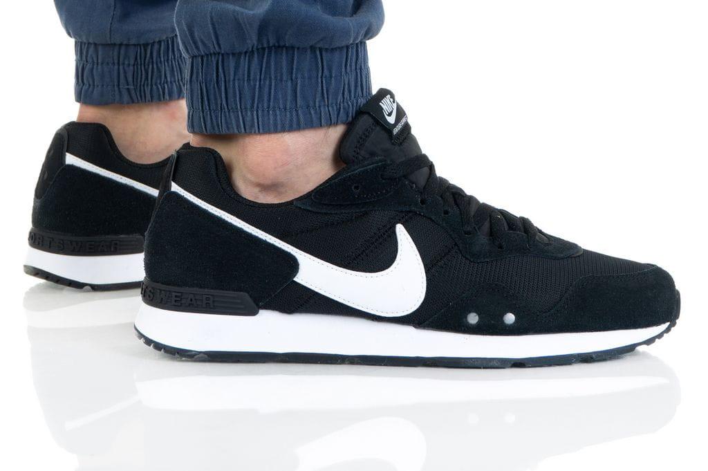 נעלי סניקרס נייק לגברים Nike VENTURE RUNNER - שחור
