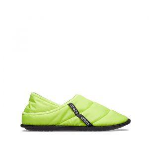 כפכפי Crocs לנשים Crocs Neo Puff Slipper - ירוק