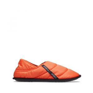 כפכפי Crocs לנשים Crocs Neo Puff Slipper - כתום