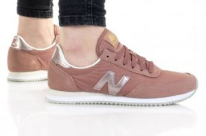 נעלי סניקרס ניו באלאנס לנשים New Balance WL720 - ורוד