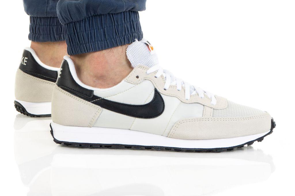 נעלי סניקרס נייק לגברים Nike CHALLENGER OG - לבן